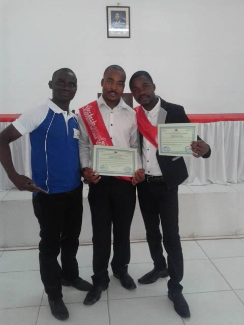Diplomi al Centro de Formação Profissional Estrelas de Moçambique