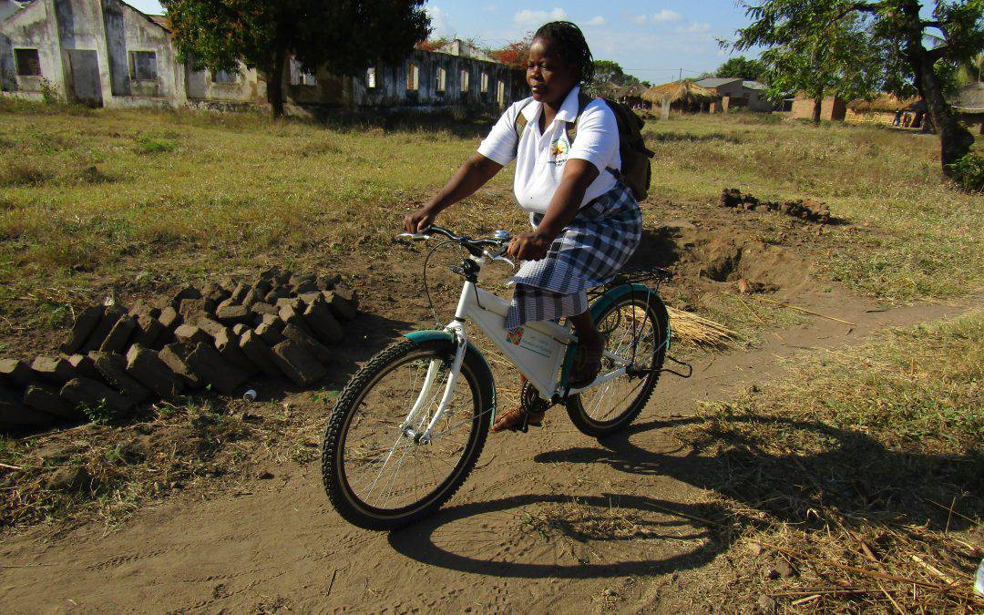 Mozambikes: l'assistenza domiciliare in bicicletta in un video