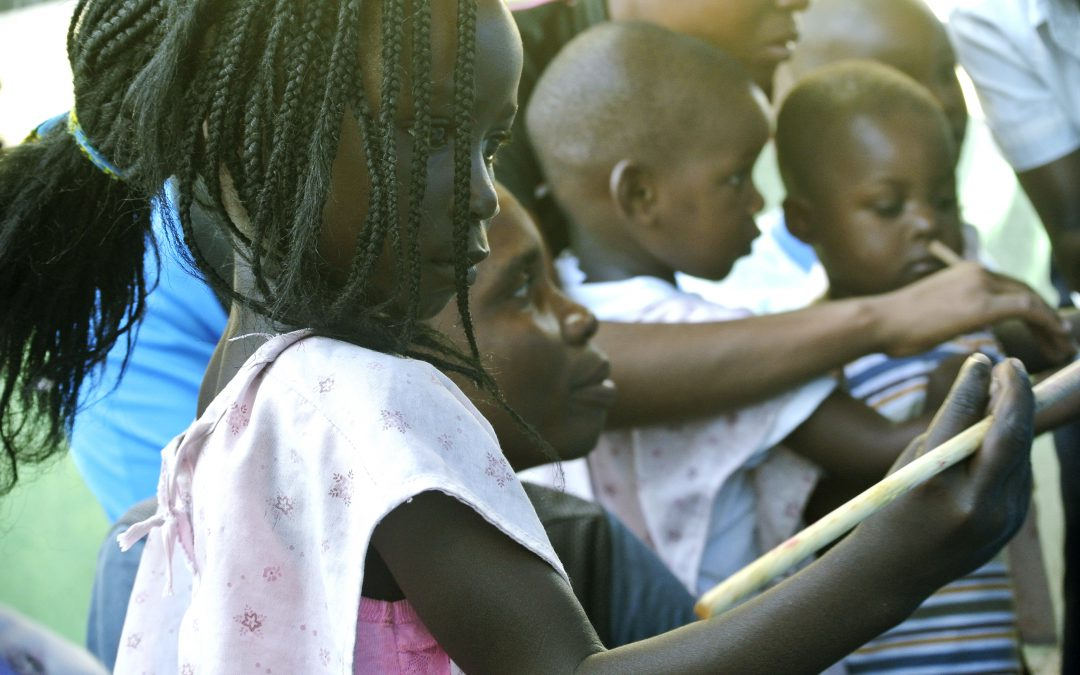 Kukomerua: colori e allegria