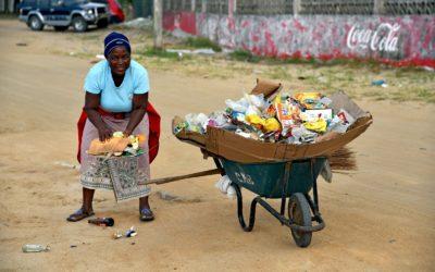 Rifiuti, una emergenza internazionale – una mostra sul lavoro del CAM a Beira
